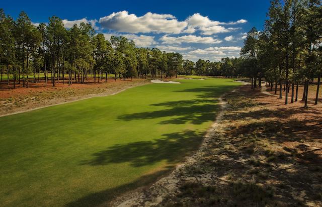The restored 10th hole. (USGA Digital Archives)