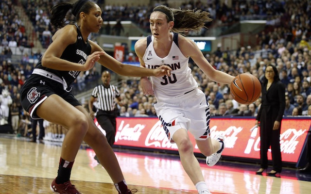 UConn women hand South Carolina its first loss of the ...