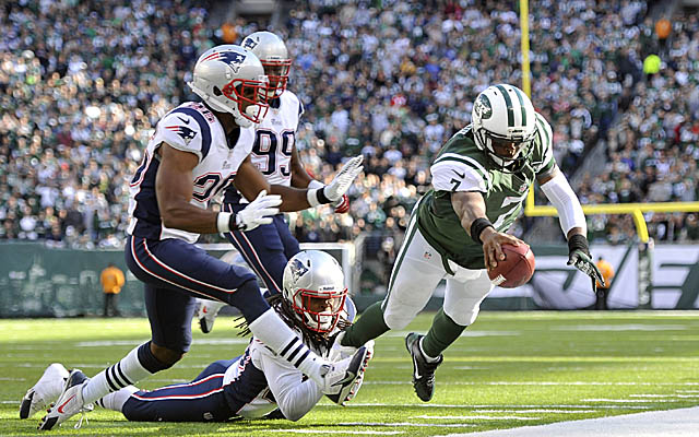 The Jets steal a late-season win from the rival Patriots. (USATSI)