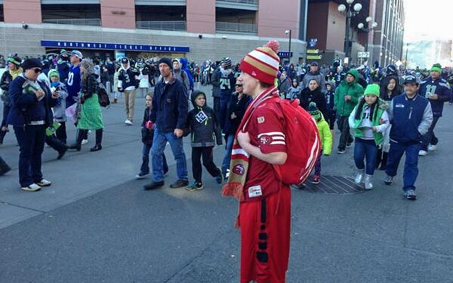 The 49ers had at least one representative at the Seahawks' victory parade. (@CavemagJay, Twitter)