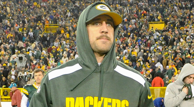 Aaron Rodgers injury is reportedly a fractured collarbone and he could miss three weeks.