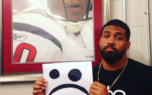 Arian Foster ain't too proud to beg. Sweet darling. Please don't go.