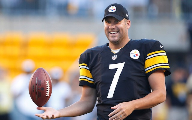 Ben Roethlisberger pulls in more money in one season than the Steelers entire roster made in 1990. (USATSI)