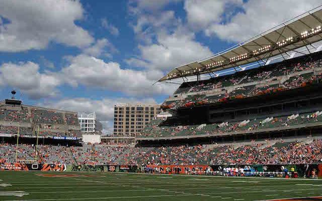 Fan Dies at Bengals Game: Fan Collapses During Game