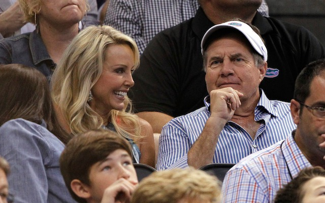 Bill Belichick and long-time girlfriend Linda Holliday ran 13.1 miles together. (USATSI)
