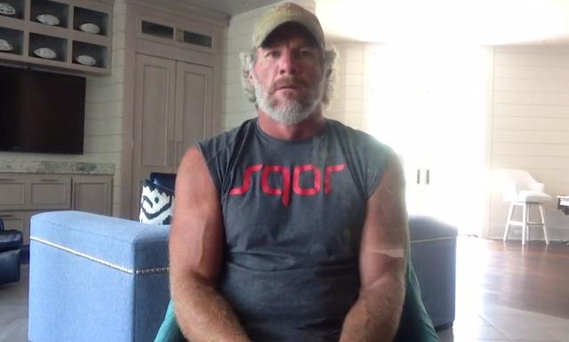 Apparently, Brett Favre hasn't shaved since he retired. (Sqor)