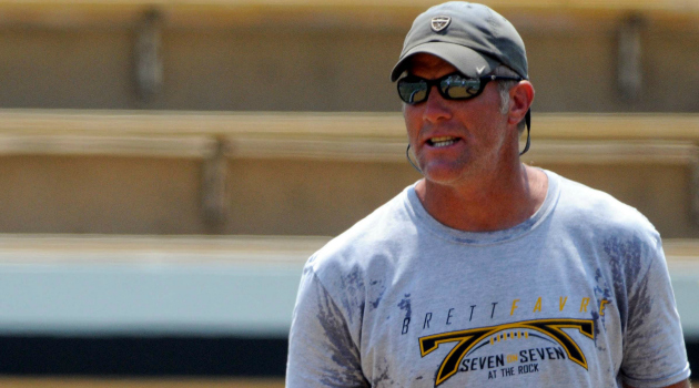 finest selection 06852 ee835 Report: Packers to retire Brett Favre's jersey, induct him ...