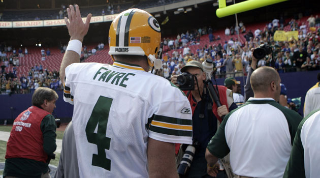 The Packers plan on retiring Brett Favre's number before he enters Canton. (USATSI)
