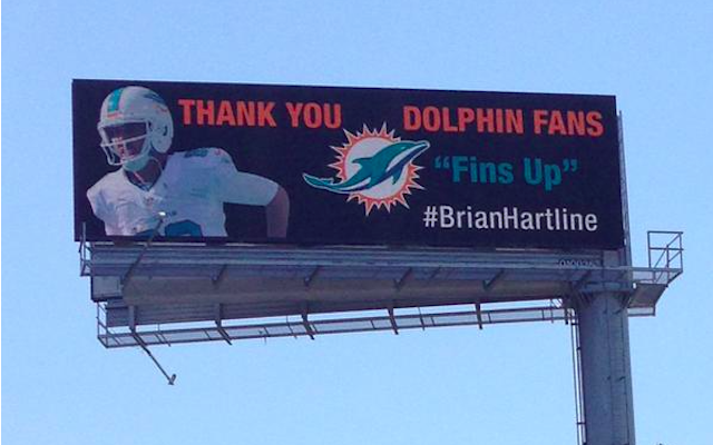 Brian Hartline spent some of his new Browns money to thank Dolphins fans. (Twitter)