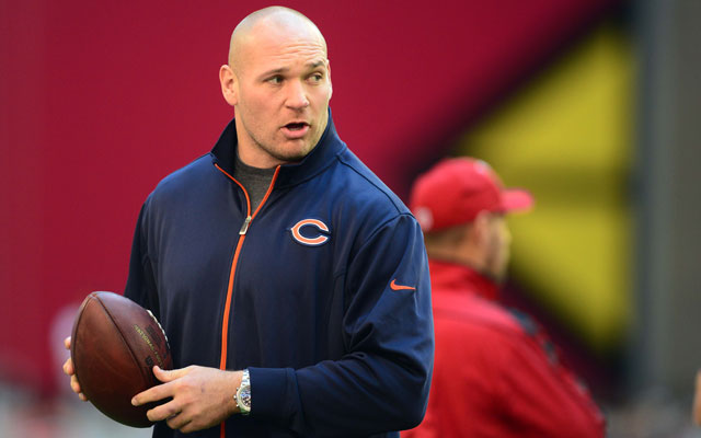 Could Brian Urlacher be a solution for the Cowboys LB problems? (A: No)
