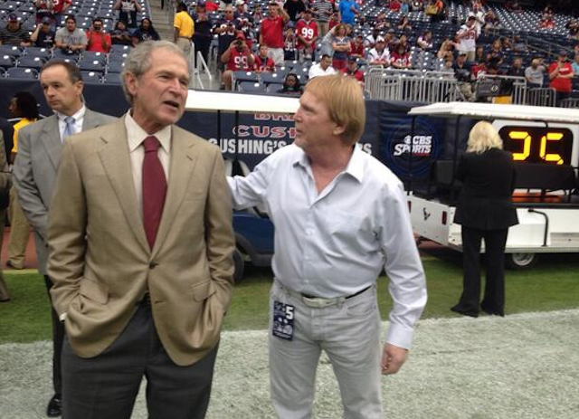 Raiders owner Mark Davis got some quality time in with former president George W. Bush. (Twitter)
