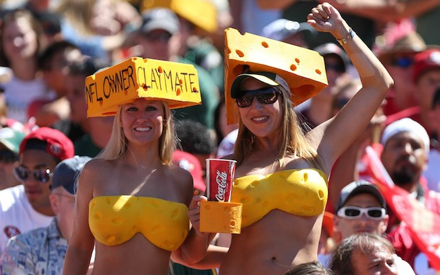 A cheesekini might not be enough to keep you warm in Green Bay on Sunday. (USATSI)