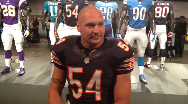 a04c7e710 Urlacher rocking the new Bears uniform. (Will Brinson, CBSSports.com)
