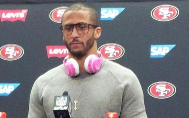 Colin Kaepernick was fined $10,000 for wearing Beats headphones. (Twitter/PGutierrezESPN)