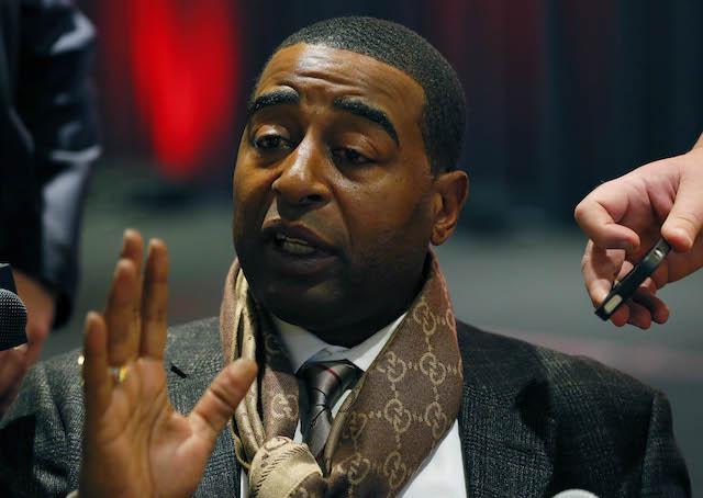 Cris Carter thinks Josh Gordon could be great if he's willing to give up marijuana. (USATSI)