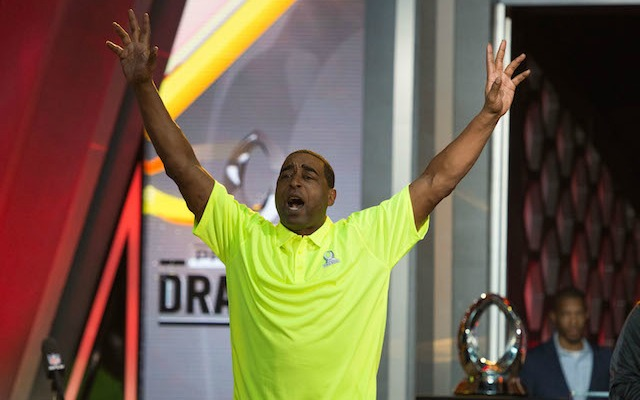 Cris Carter claims he never put stickum on his hands. (USATSI)
