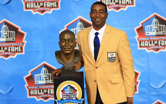 Cris Carter got cut by the Eagles and went on to the Pro Football Hall of Fame. (USATSI)