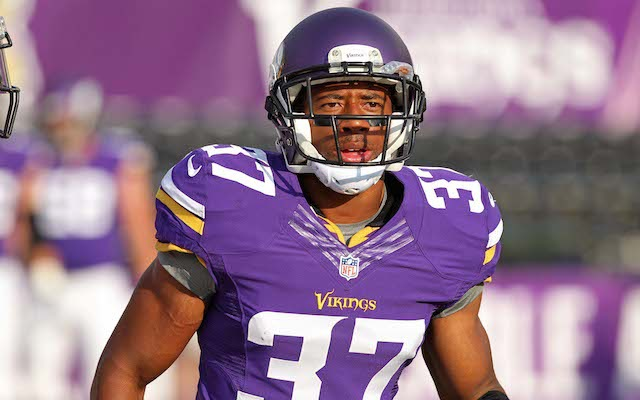 In the past two weeks, Derek Cox has been cut by the Vikings and Ravens. (USATSI)