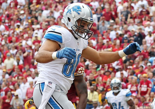 Joseph Fauria concentrated hard during his *NSYNC themed end zone dance on Sunday. (USATSI)