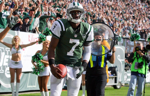 Can Geno Smith and the Jets beat a top 10 defense? They haven't this year. (USATSI)