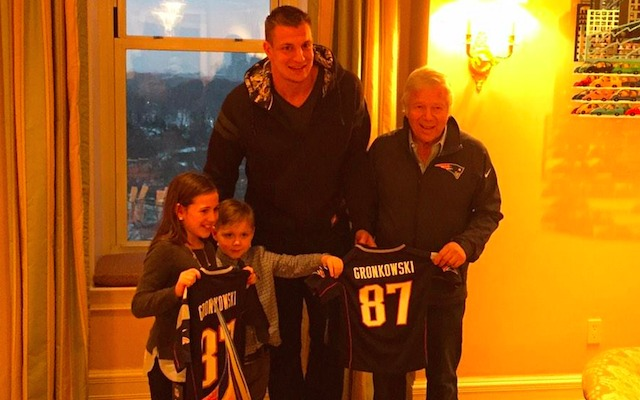 Rob Gronkowski showed off his soft side on Valentine's Day. (Twitter)