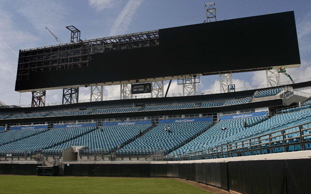 The Everbank Field video board is up now and taunting Texas.