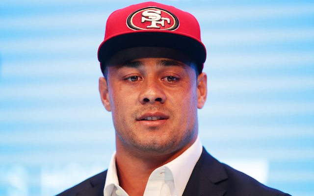49ers sign rugby star Jarryd Hayne, who has bananas highlights