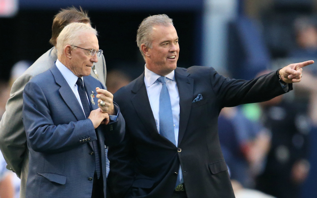 Jerry Jones says he has Monte Kiffin's back despite the Cowboys' struggles.