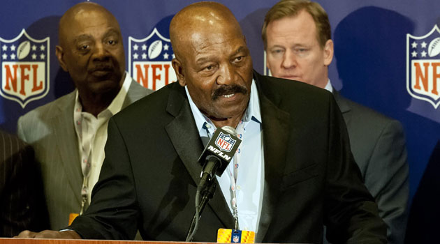 Jim Brown is taking a position with the Browns front office again.(USATSI)