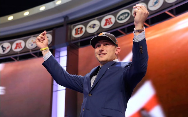Johnny Manziel showed off his money fingers at a Texas A&M bar. (USATSI)