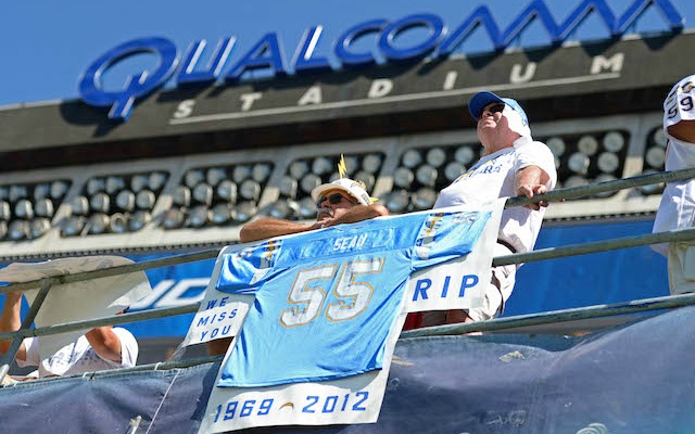 Chargers fans remember Junior Seau. (USATSI)