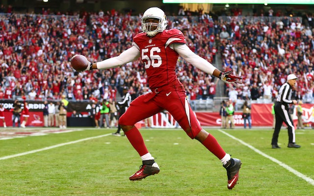 The Cardinals need to make sure Karlos Dansby doesn't leave Arizona this offseason. (USATSI)