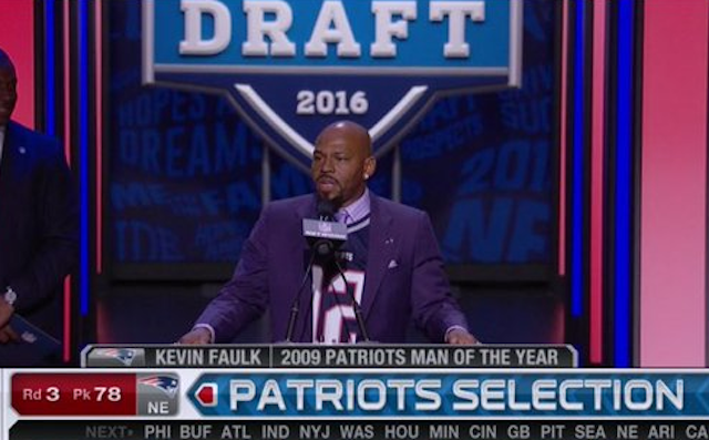 Kevin-faulk-tom-brady-draft-04-29-16