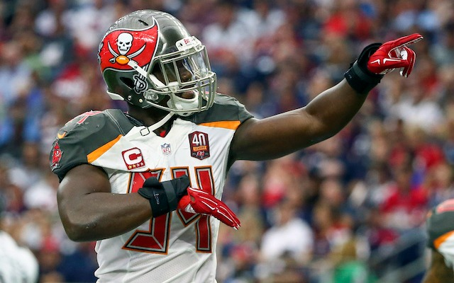 Lavonte David wasn't happy about Lovie Smith's firing. (USATSI)