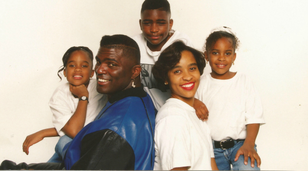 A Lawrence Taylor family portrait.