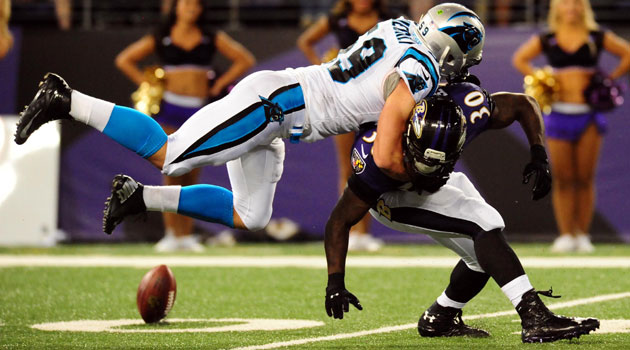 Luke_Kuechly_Panthers_Ravens_Preseason_W