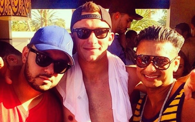 Johnny Manziel hanging with Pauly D in Las Vegas. (Instagram/JManziel2)
