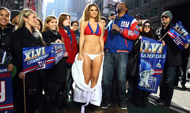 Maria Menounos Giants Bikini Times Square Giants Super Bowl Parade 25, 1951: Georgia native Dorothy Kirby won the United States Women's Amateur ...