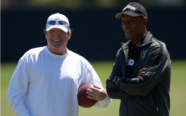 Will Mark Davis move the Raiders out of Oakland? (USATSI)