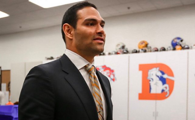 Mark Sanchez is single and not ready to mingle. (Twitter/@Broncos)