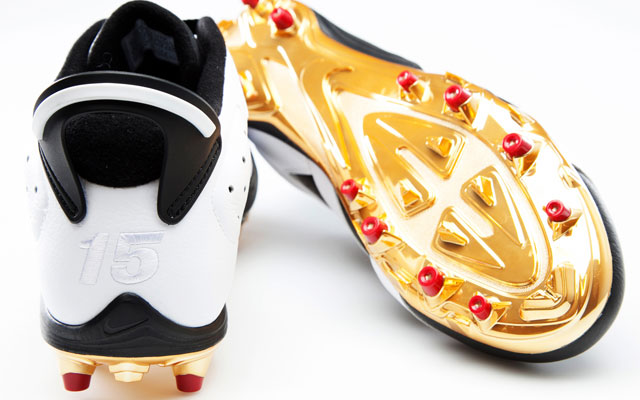 Michael Crabtree's custom Jordan Brand cleats on Sunday.