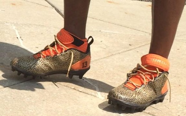 Nate Burleson made a fashion-statement at training camp on Monday. (Twitter/@Mr_KevinJones)