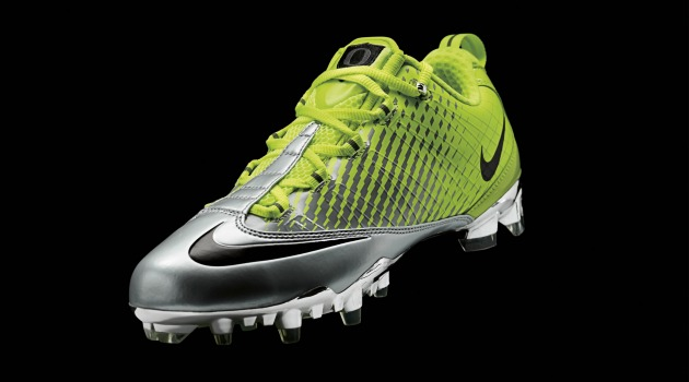 New_Oregon_Football_Nike_Pro_Combat_Uniforms_Cleats.jpg