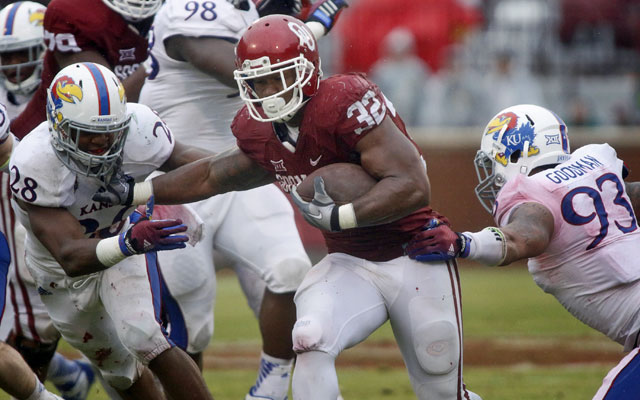 Oklahoma's Samaje Perine may not have broken out as a freshman if an ineligibility rule existed. (Getty Images)