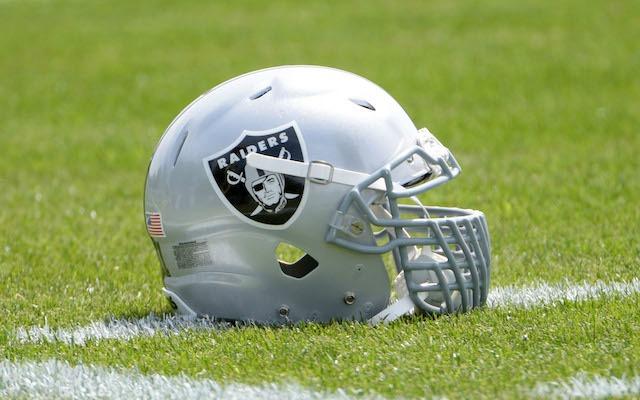Raiders-helmet-anthony-smith-11-06-15