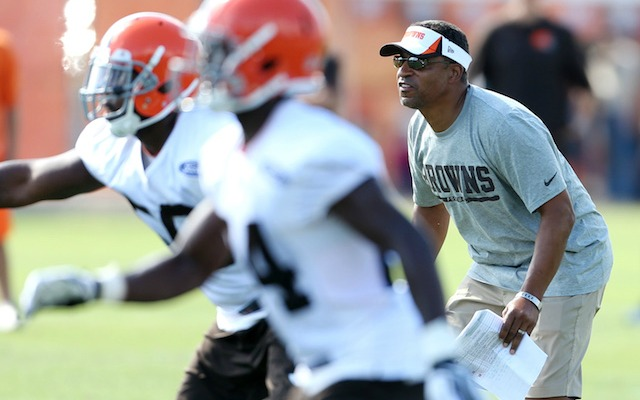 Ray Horton has been re-hired by the Browns. (USATSI)