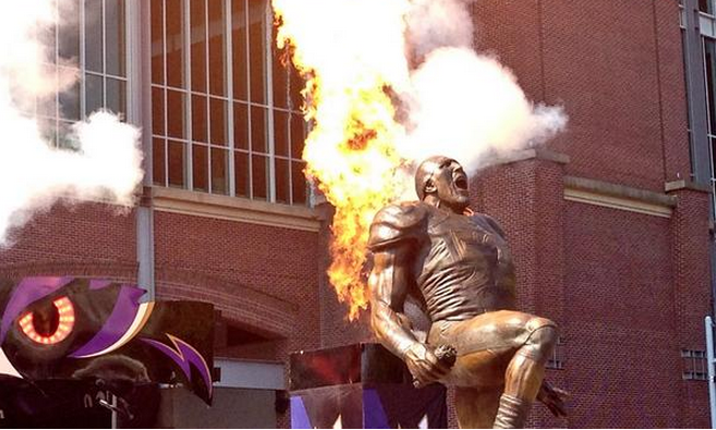 The Ravens unveiled a Ray Lewis statue outside M&T Bank Stadium on Thursday.