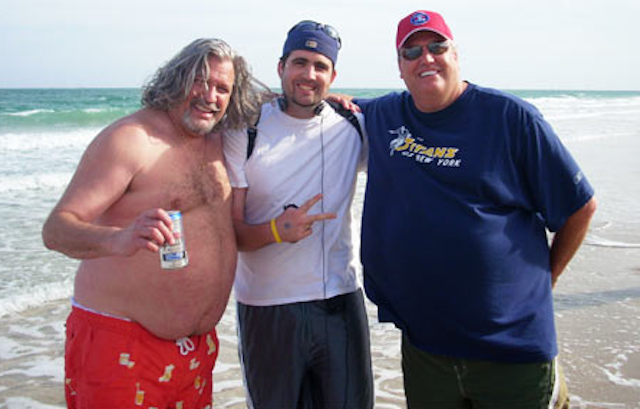 Rex Ryan and Rob Ryan sometimes go to the beach together. (Mustachehunting.com)