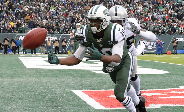 Santonio Holmes has reportedly signed with the Bears.