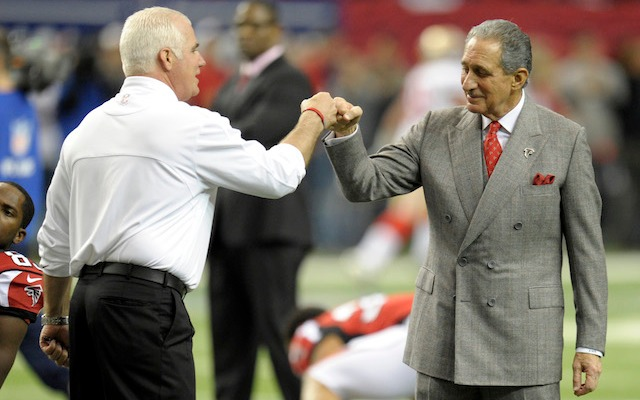 It looks like Mike Smith and Falcons owner Arthur Blank will be fist bumping in 2014. (USATSI)